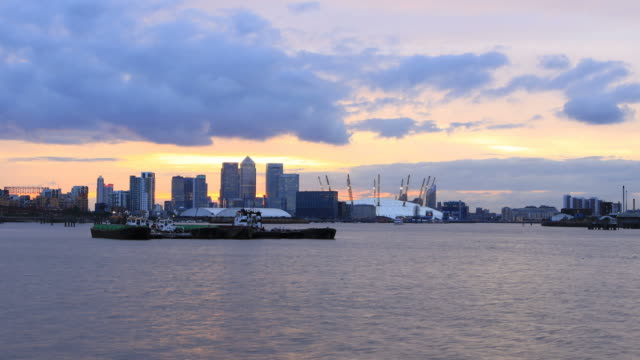 canary wharf day to night time-lapse - the o2 england stock videos & royalty-free footage