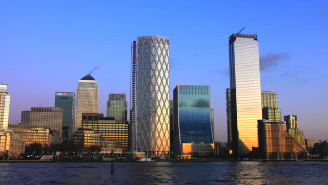 canary wharf docklands london - vertical stock videos & royalty-free footage