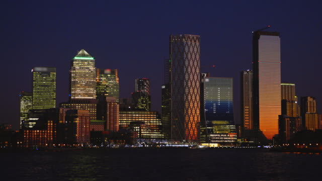 canary wharf financial district and river thames - real time stock videos & royalty-free footage