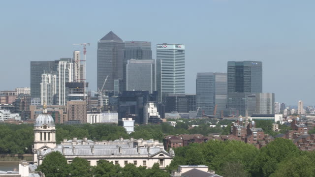 canary wharf greenwich (z/out) - royal navy college greenwich stock videos & royalty-free footage