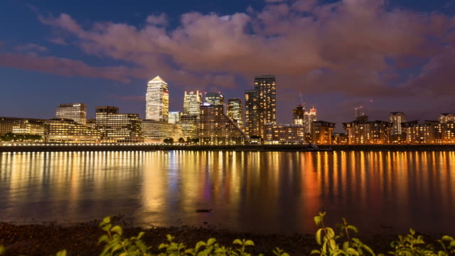 Canary Wharf in London, timelapse (4K)