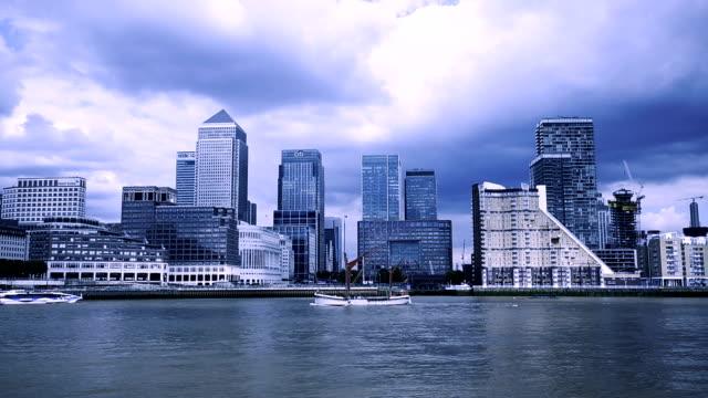 Canary Wharf - London, toned