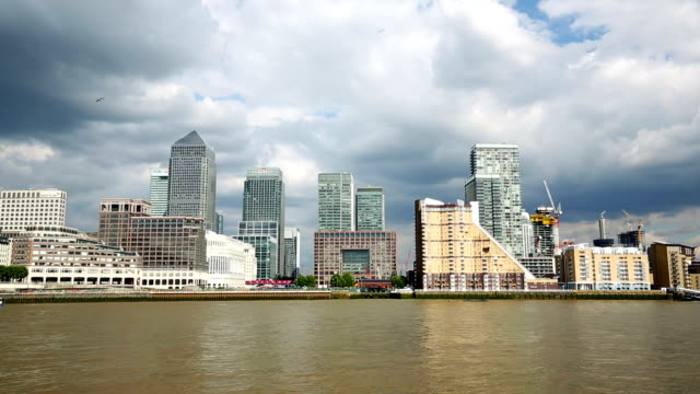 canary wharf - london - panning stock videos & royalty-free footage