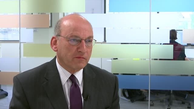 uk cancer survival rates come under fire from health watchdog gvs doctor examining mouth of patient professor mark baker interview sot reporter... - 女性患者点の映像素材/bロール
