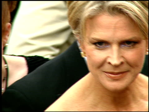 vídeos y material grabado en eventos de stock de candice bergen at the 1997 emmy awards arrivals at the pasadena civic auditorium in pasadena, california on september 14, 1997. - auditorio cívico de pasadena