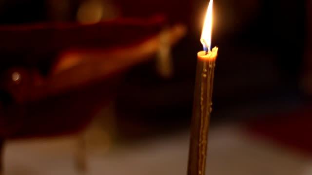 教会のキャンドル - 女子修道院点の映像素材/bロール