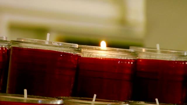 キャンドルがカトリック教会 2 - 使徒点の映像素材/bロール