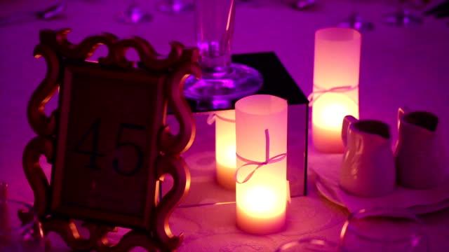 stockvideo's en b-roll-footage met kaarsen op de tafel - minder dan 10 seconden