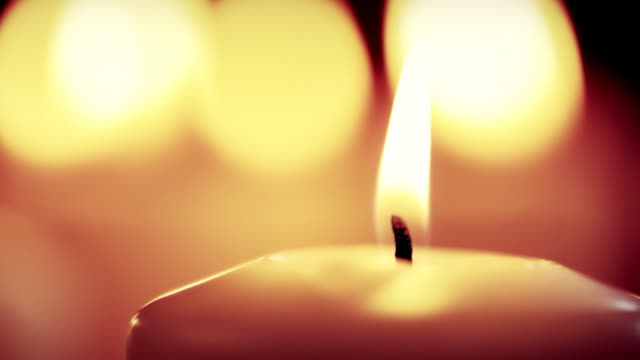 vídeos de stock, filmes e b-roll de velas - candlelight