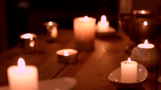 vídeos de stock, filmes e b-roll de velas - religião