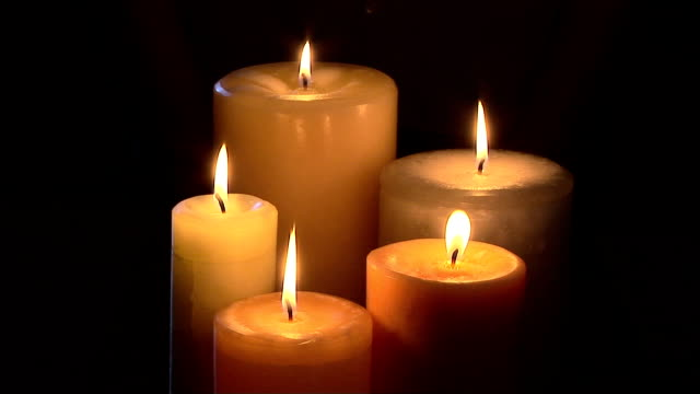 candles - 少数の物点の映像素材/bロール