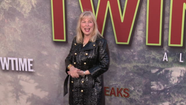 """candy clark at the premiere of the new showtime limited-event series """"twin peaks"""" at ace hotel on may 19, 2017 in los angeles, california. - ショータイム点の映像素材/bロール"""
