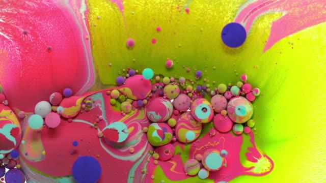 vidéos et rushes de candy colors in motion stock vidéo - art