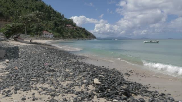 vídeos de stock e filmes b-roll de cane garden bay beach, tortola, british virgin islands, west indies, caribbean, central america - plano de grua
