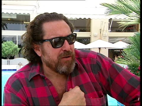 Julian Schnabel and Mathieu Almaric interviews Hi Javi [to actor Javier Bardem who kisses him and says he is the best] / Max Von Sydow brilliant in...