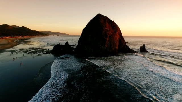 cannon beach and haystack rock - cannon beach stock videos & royalty-free footage