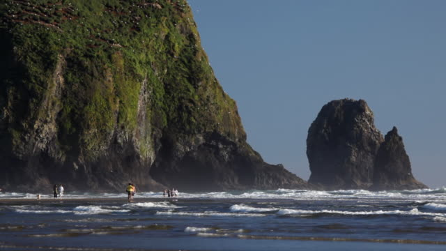 hd cannon beach haystack rock - cannon beach stock videos & royalty-free footage