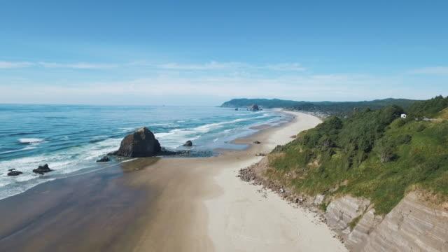cannon beach oregon drone shot - haystack rock stock videos & royalty-free footage