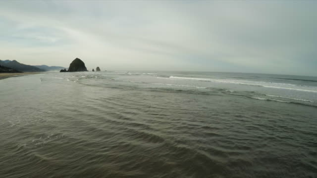 cannon beach, oregon - cannon beach stock videos & royalty-free footage