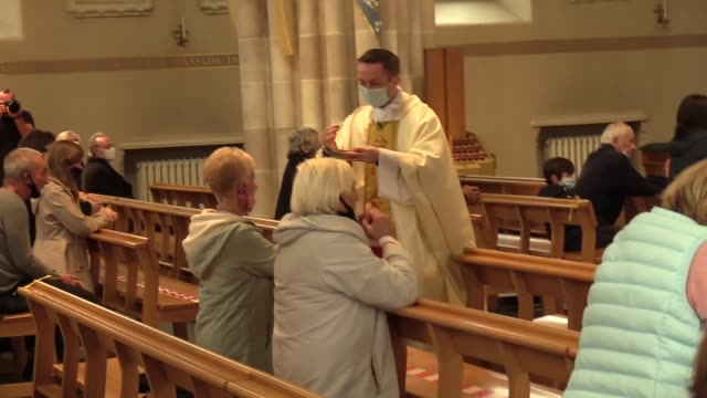 canon gerard sharkey holds the first mass since march 19 at st andrrew's cathedral in glasgow. services have resumed across scotland as lockdown has... - decline stock videos & royalty-free footage