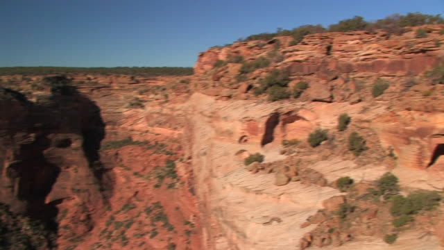 ha ws canyon/ pan ms caves at top of canyon/ canyon de chelly national monument, arizona - canyon de chelly stock videos & royalty-free footage