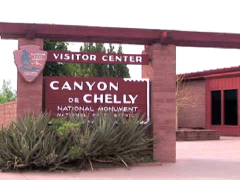 MS, ZI, Canyon de Chelly National Monument entrance, Arizona, USA