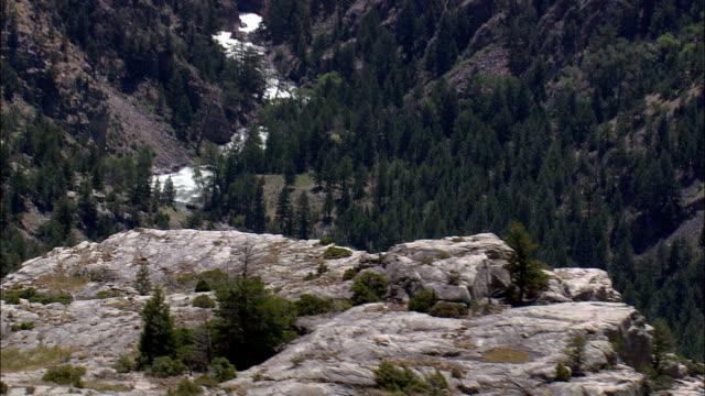 Cañón formado por Clarks bifurcación río Yellowstone-Vista aérea-Wyoming, Condado del parque, Estados Unidos