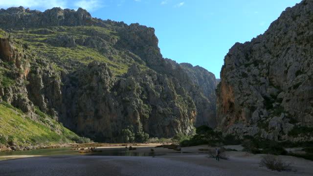 canyon torrent de pareis near sa calobra, tramuntana mountains, majorca - ravine stock videos & royalty-free footage