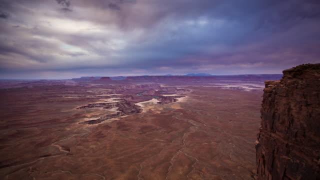 キャニオンランズ国立公園 - 夕暮れの時間経過する日 - キャニオンランズ国立公園点の映像素材/bロール