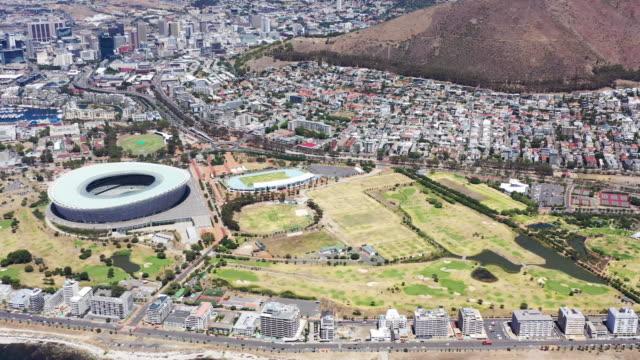 ケープタウン南アフリカ航空写真シーポイントパノラマパンニング4kビデオ - 西ケープ州点の映像素材/bロール