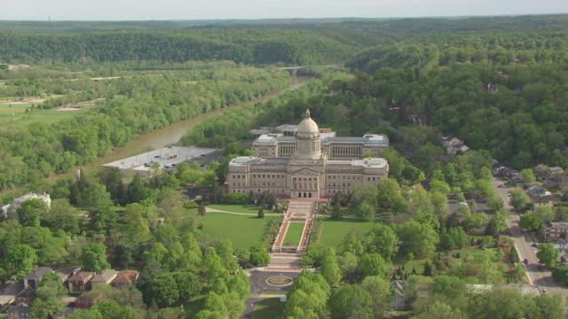 WS AERIAL Capitol building and landscape / Frankfort, Kentucky, United States