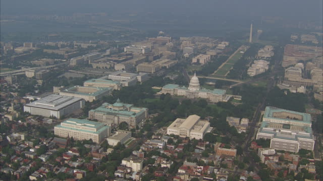 aerial, capitol building and washington monument, washington dc, washington, usa - united states congress stock-videos und b-roll-filmmaterial