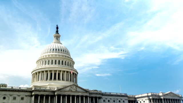 stockvideo's en b-roll-footage met us capitol building / congress washington dc time-lapse - politiek