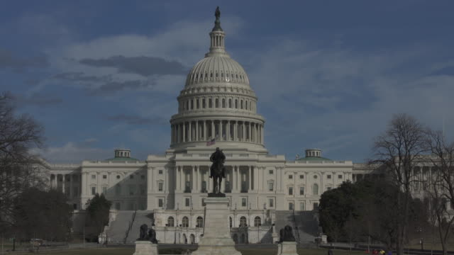 stockvideo's en b-roll-footage met vs capitool in washington, dc - time-lapse in 4k/uhd - senaat verenigde staten