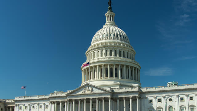 t/l zo ws capitol building in washington dc - united states congress stock-videos und b-roll-filmmaterial