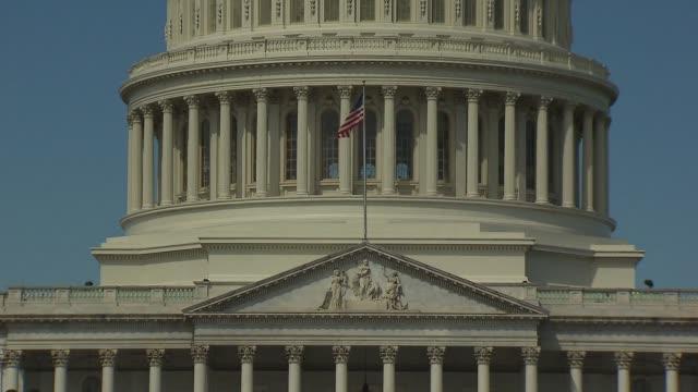 vídeos de stock, filmes e b-roll de u.s capitol building - capitólio capitol hill