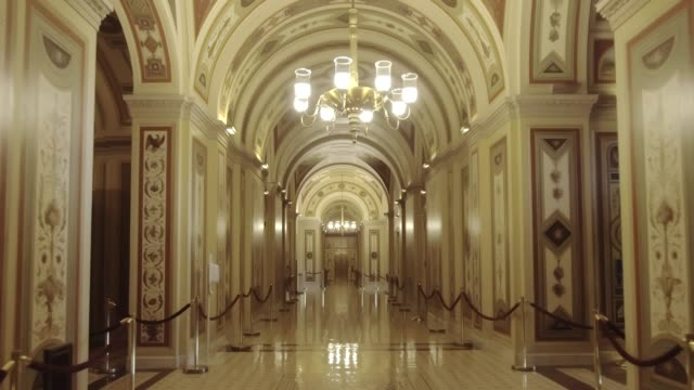 vídeos de stock e filmes b-roll de u.s. capitol building walking the senate brumidi corridor in washington, dc - politician