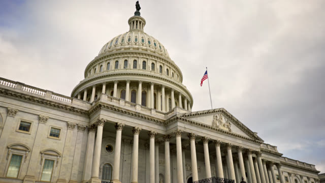 u.s. capitol building washington, district of columbia - politica video stock e b–roll