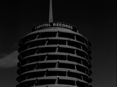capitol records building - capitol records stock-videos und b-roll-filmmaterial