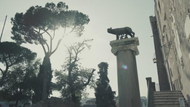 capitoline hill she-wolf of rome - remo video stock e b–roll