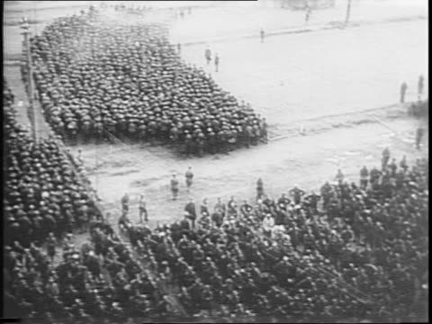 stockvideo's en b-roll-footage met captured german soldiers in moscow / group of nazi generals and officers / probable views of major general schmidt general perkas and major general... - slagfront