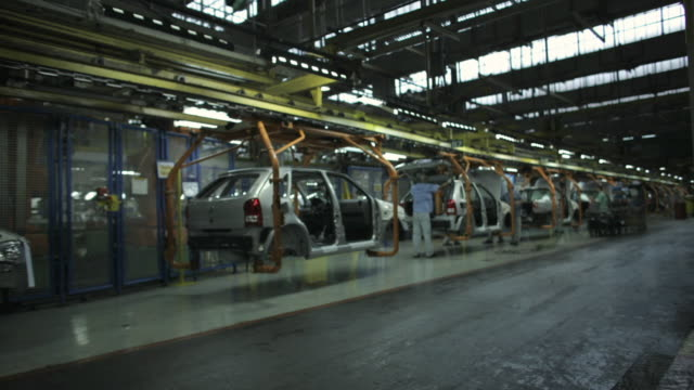 t/l, ws, car assembly line, sao paulo, brazil - automobile industry video stock e b–roll