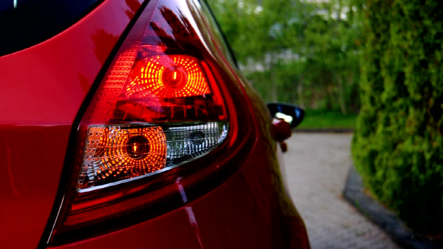 自動車点滅-始値、終値 - 電灯点の映像素材/bロール