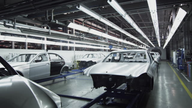vídeos de stock, filmes e b-roll de ws car bodies in factory / samut prakan, bang muang mai, thailand - indústria automobilística