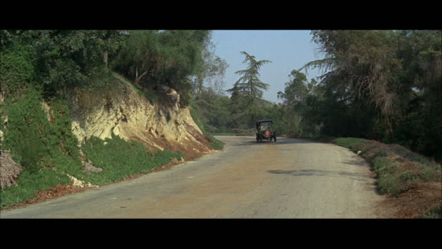 vidéos et rushes de ws car breaking down on winding road during car rally  - panne de voiture