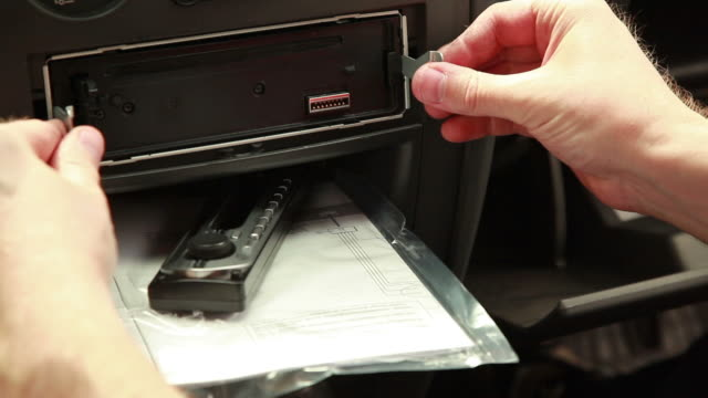 HD - Car CD Player Removal