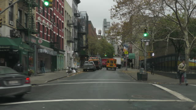 stockvideo's en b-roll-footage met ws pov t/l car driving from new jersey to williamsburg through holland tunnel and manhattan bridge / ny tristate area, new york, usa - westers schrift