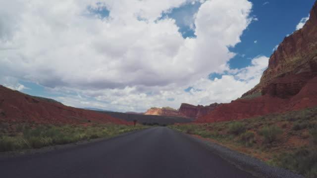 POV-Auto fahren in den Canyon USA