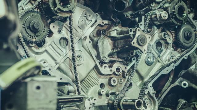 V8-Motorn reparation. 4 k tid förfaller Video