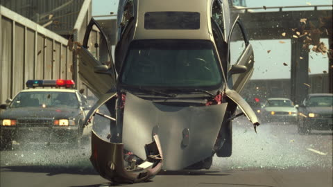 vídeos y material grabado en eventos de stock de ws tu td pov slo mo car exploding and crashes - accidente de tráfico